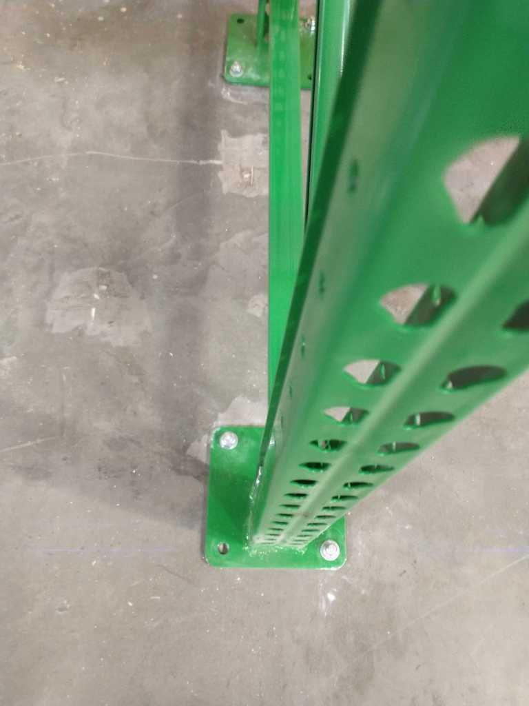 Pallet Rack Footplate for Pest Control Inventory